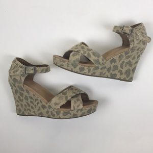 TOMS Leopard Burlap Strappy Wedge Size 7.5